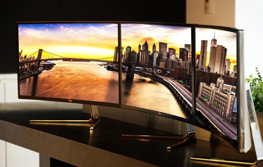 A világ első 21:9-es képarányú ívelt UltraWide IPS-monitora