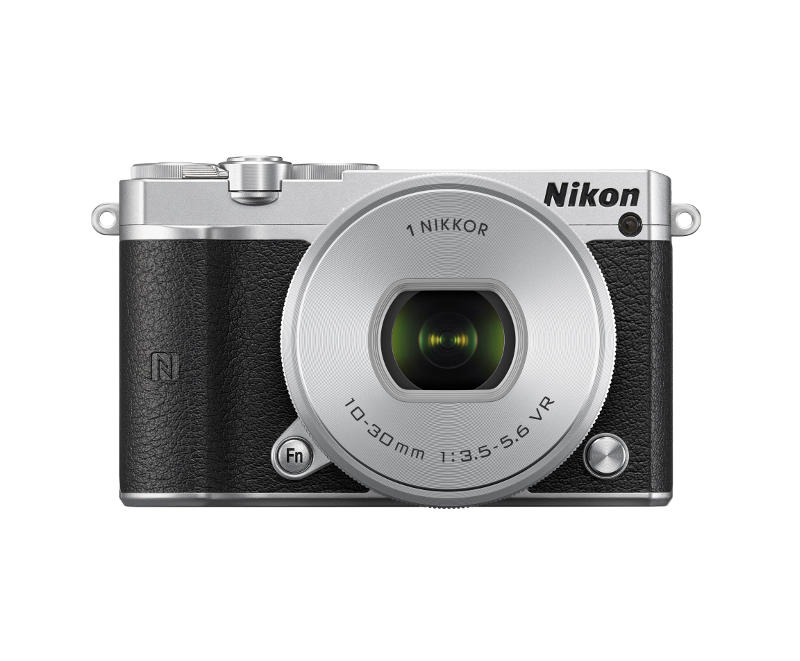 Nikon 1 J5 cserélhető objektíves fényképezőgép