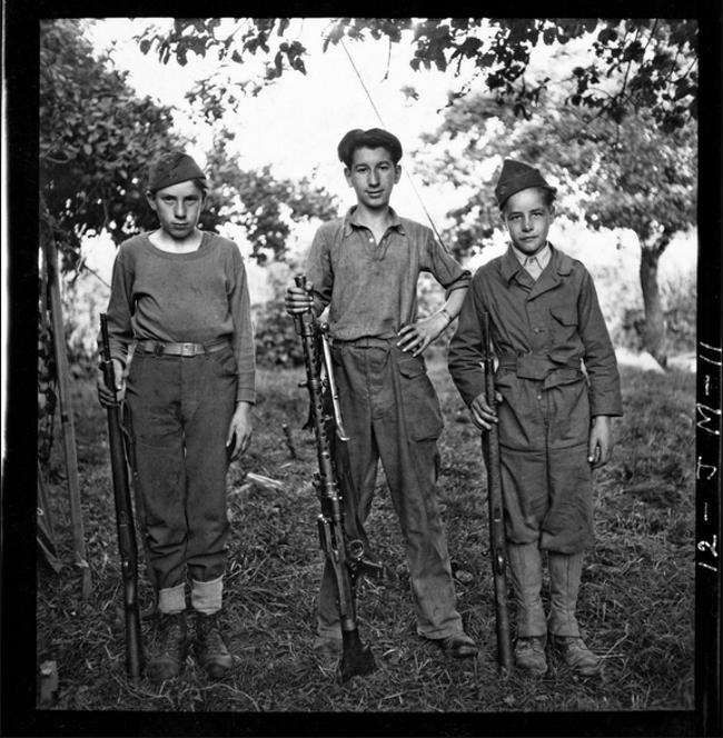 """John G. Morris """"Valahol Franciaországban - 1944 nyara"""" fotókiállítás"""