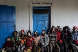 Ahol 8 millió emberre egy magyar szemorvos jut